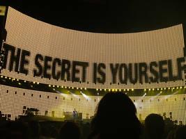 U2 - Lighting by vivalarevolucion