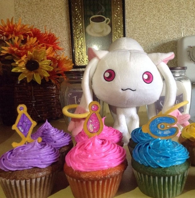 My puella magi cupcakes by Mayusweets95