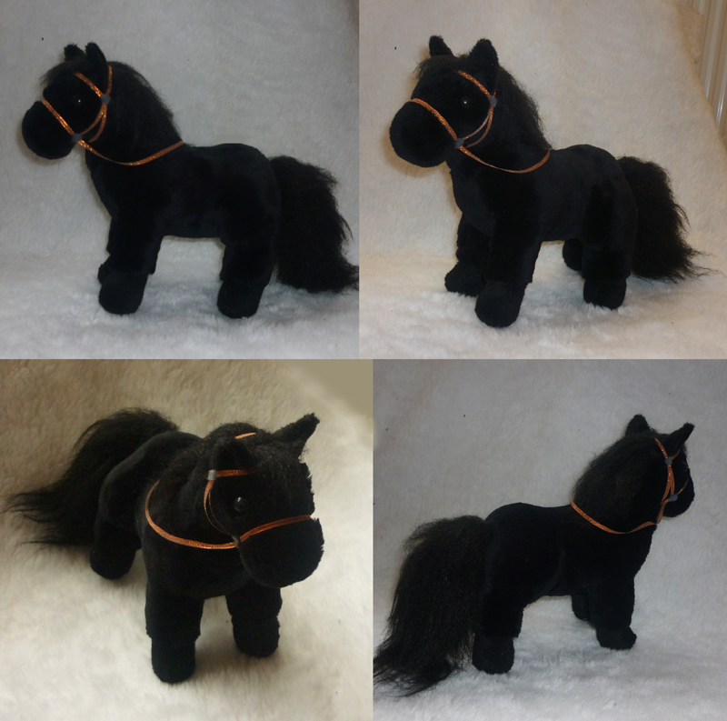 Frysian horse plush by goiku