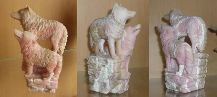 Wolf pair - gem carving