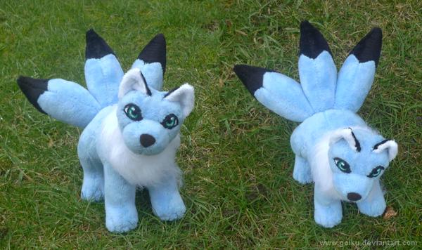 Sky blue kitsune by goiku