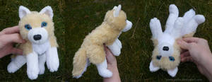 Blonde wolf - small floppy