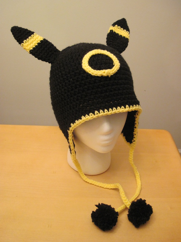 Umbreon Hat by scarletkitsune