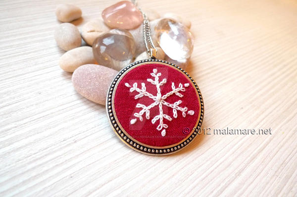 Snowflake Necklace by MalaMareHandmade