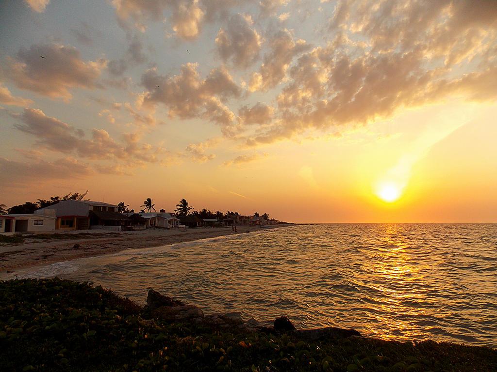Warm sunset by chronos-drako