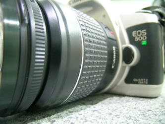 Canon EOS 500N by creativespikes