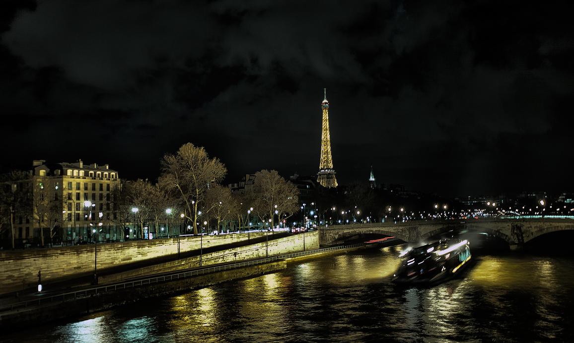 C'est beau une ville la nuit by phil--astori