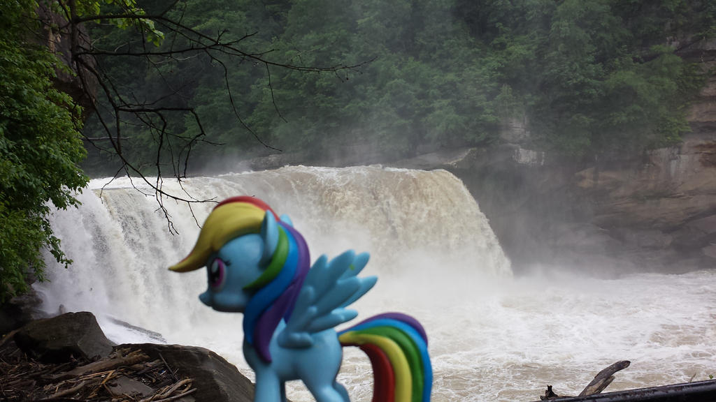 Rainbow Falls by Granpapony