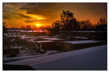 Sunrise in Winter by DeBeerG