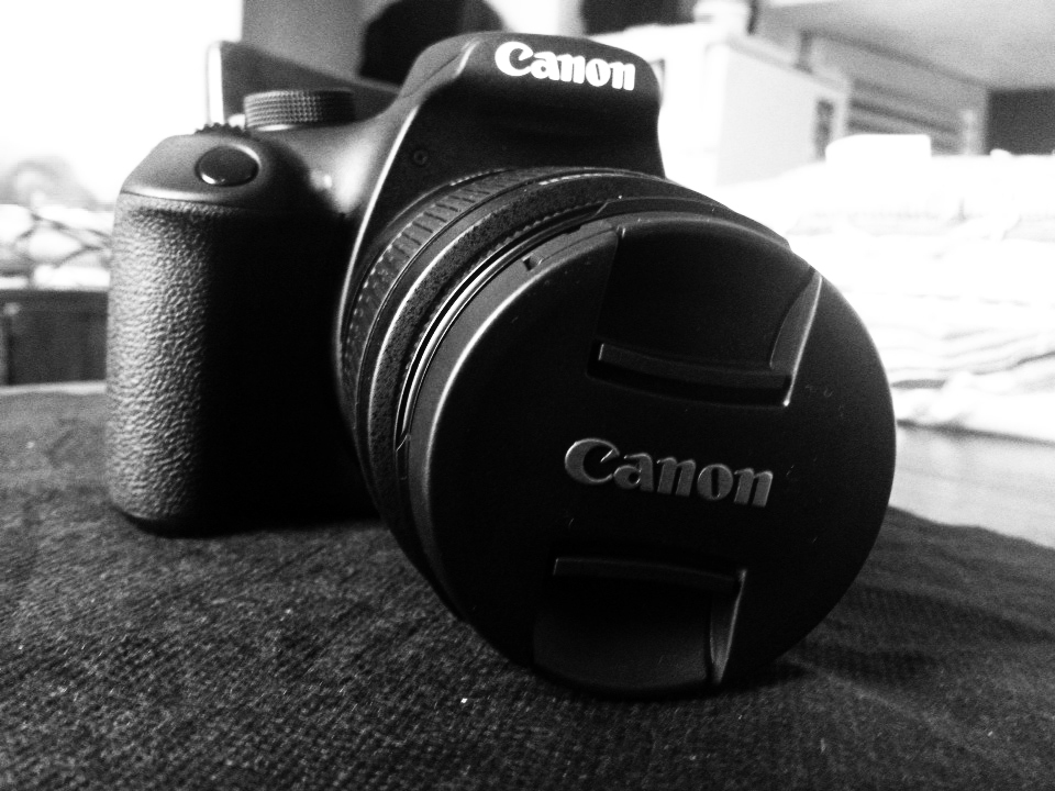 Canon EOS 1200D by Cr7NeTwOrK