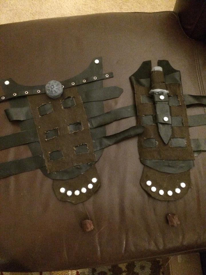 Hiccup's Gauntlets by On-Dragon-Wings