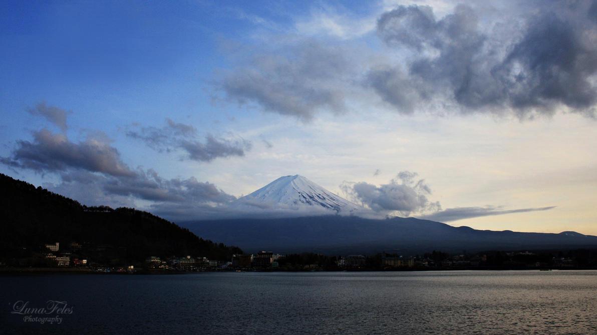 Fuji-San - Japan by LunaFeles