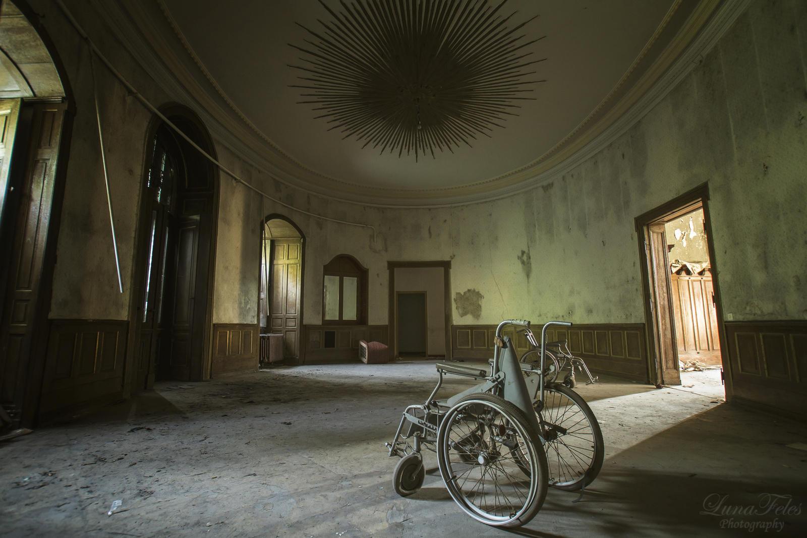 Sanatorium H. 2 by LunaFeles