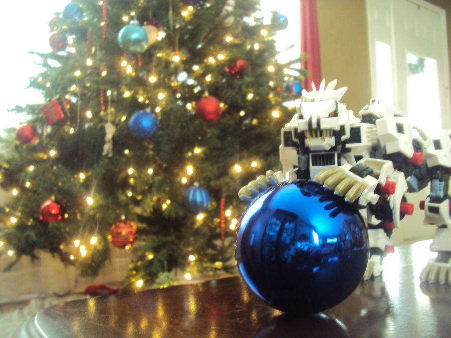 Felices Fiestas Zoidianas :3 Liger__s_new_toy_by_spartan049820-d359znv