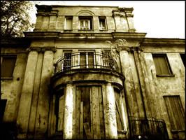 abandoned home by HeretyczkaA