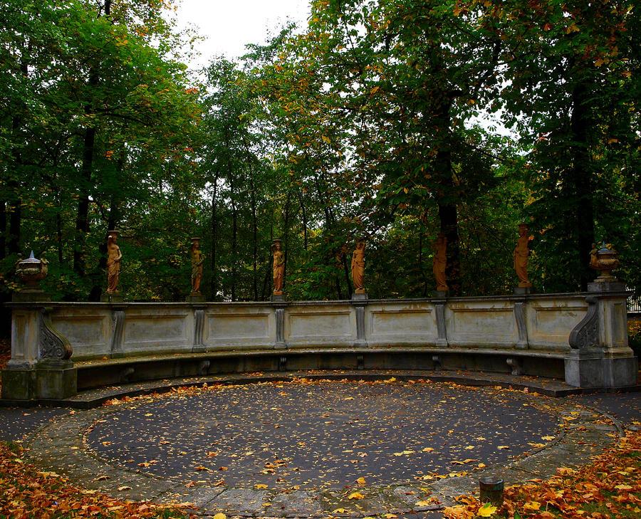 stone bench Wilanow by HeretyczkaA