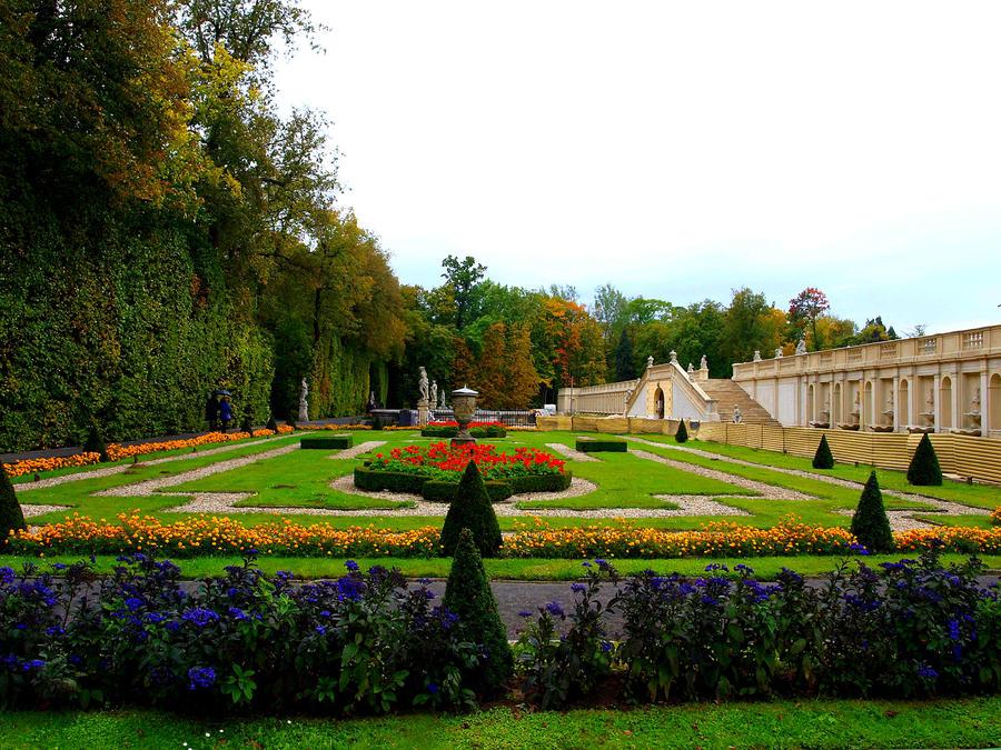 Royal Gardens by HeretyczkaA