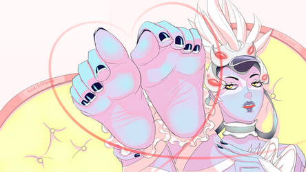 Widowmaker's 10 Perfect French-tipped Toes