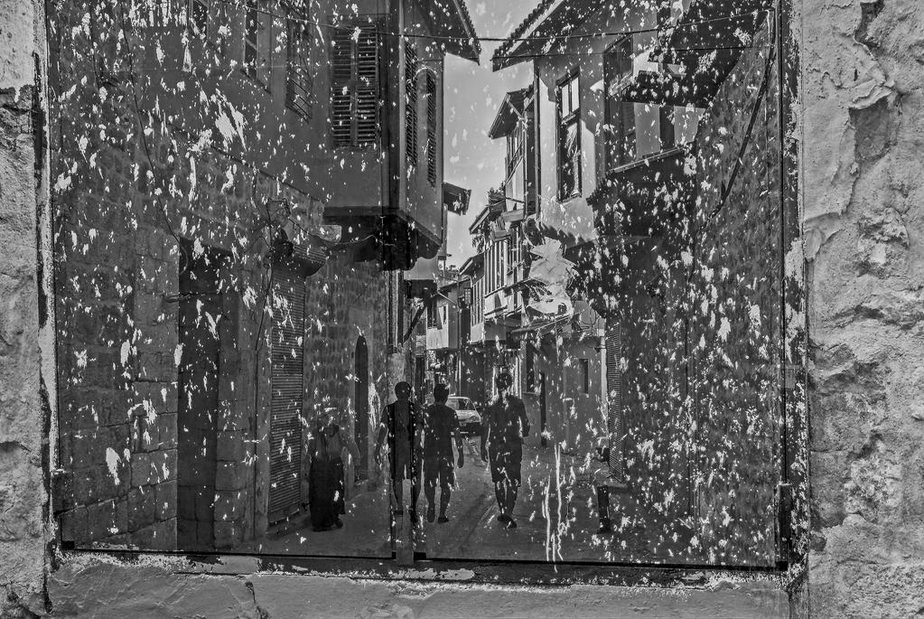 kirli camlardan by Silpius