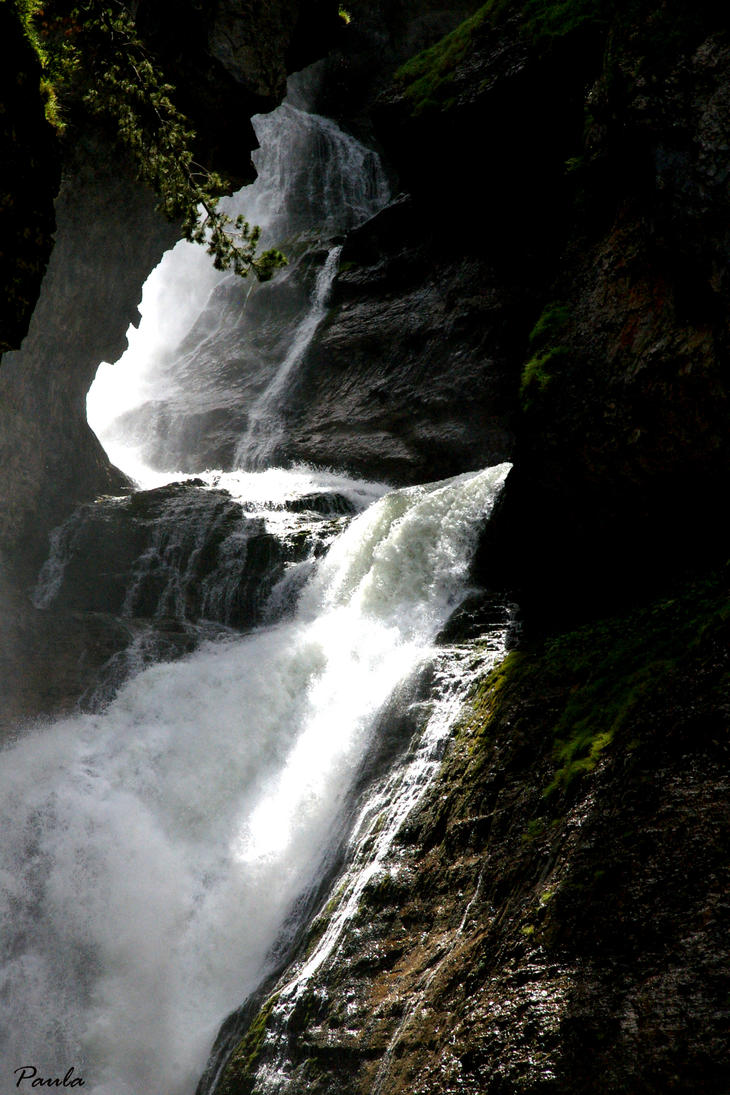 cascada del estrecho IV by paulasoul