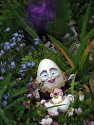 Humpty in Wonderland by Ravensbreath