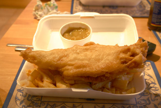 Fish chips and curry sauce by manicstreetpreacher on for Fish and chips sauce