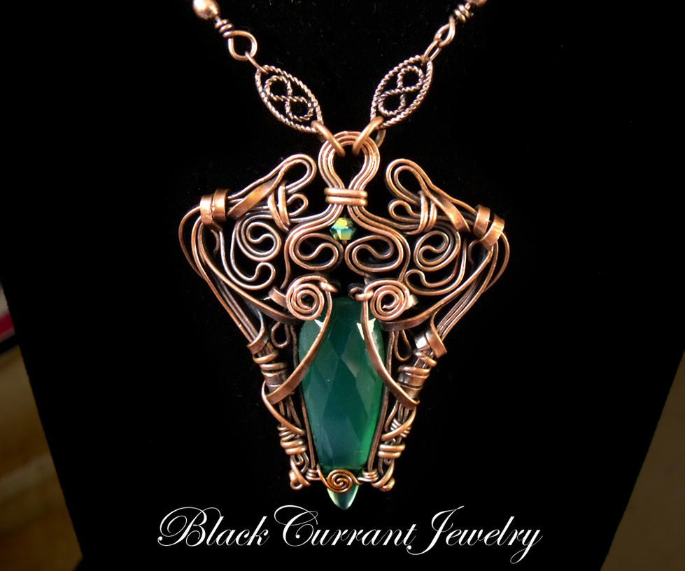 Green Onix and Copper Pendant by blackcurrantjewelry