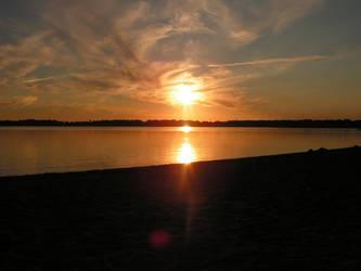 twilight sun by beetfreeq