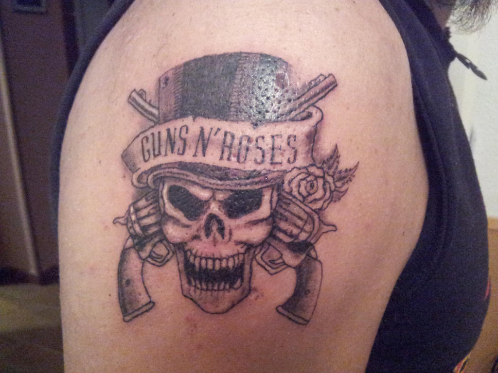 Guns and Roses Tattoo Designs