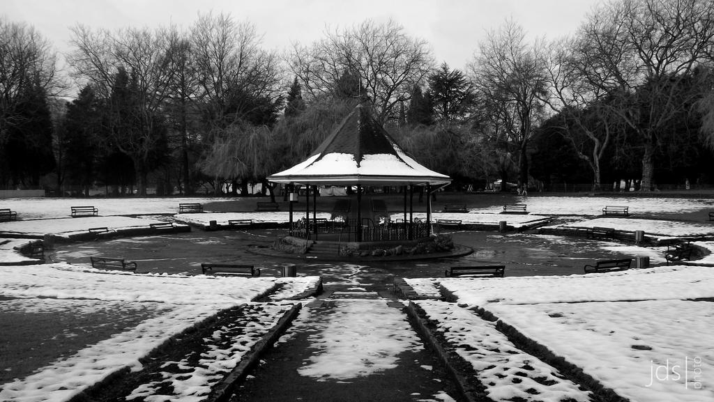 Ynysangharad Park - Bandstand 1 by JDS-photo