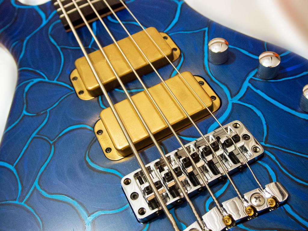 Guitar Spray Paint Tv Yellow