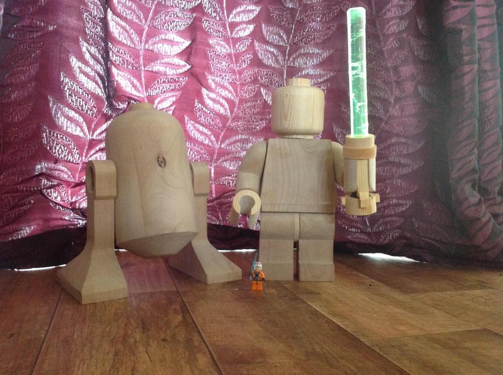 Wooden lego Jedi by Ragskin