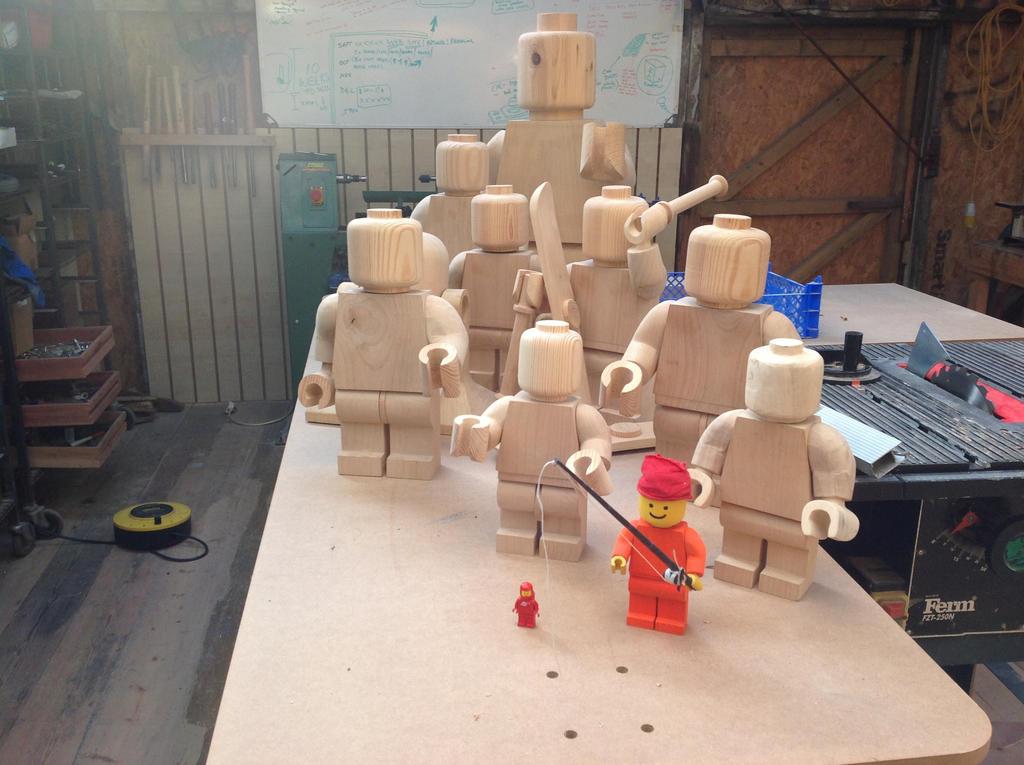 Wooden lego men by Ragskin