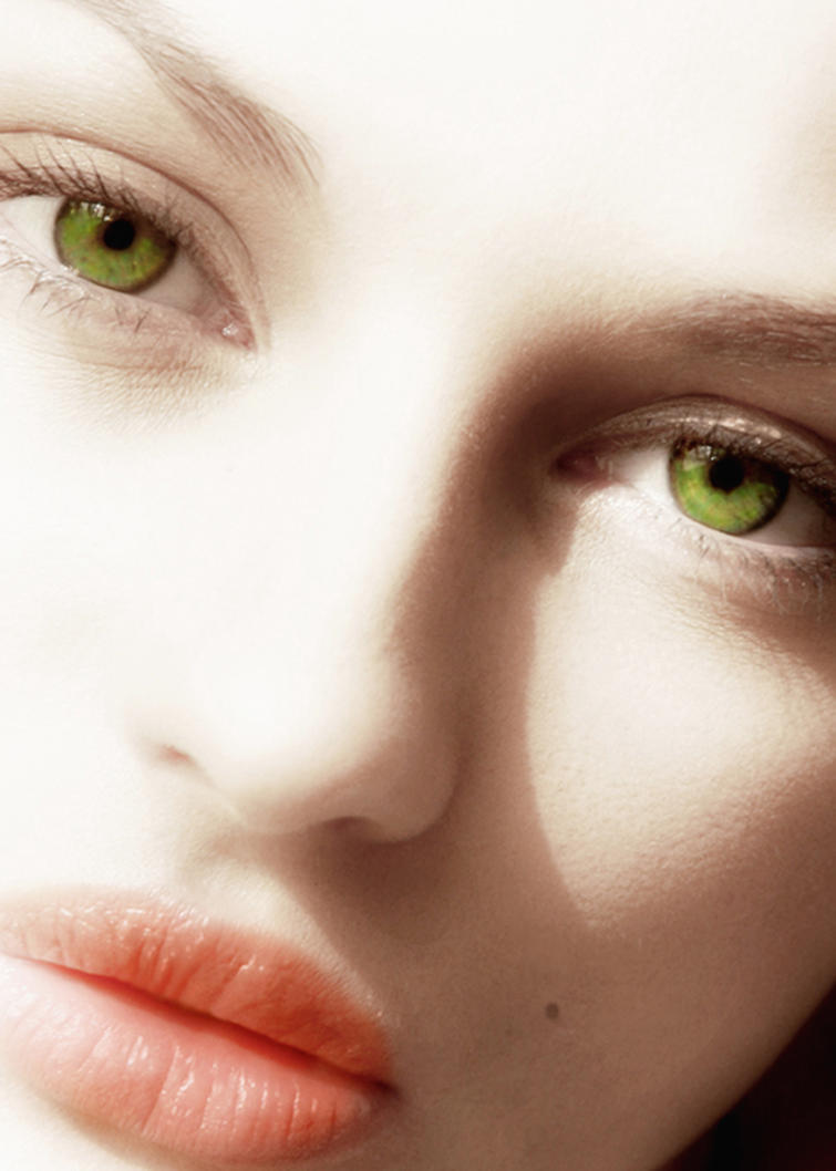 Eyes - Page 12 Green_eyes_by_jeylina-dpz88g