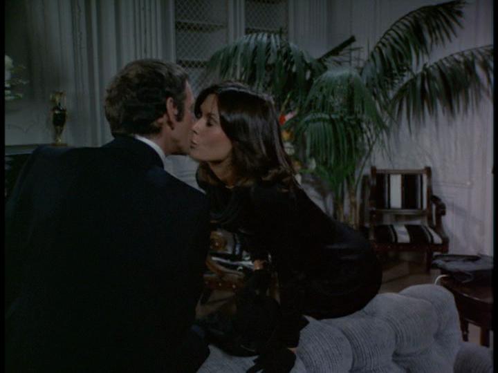 Kissing Sabrina by gytalf2000