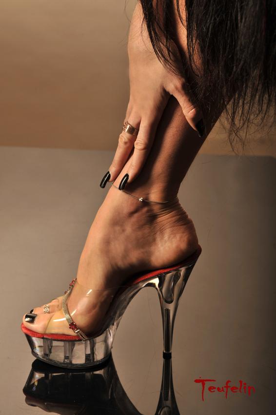 visoke potpetice... Foot_by_Teufelin