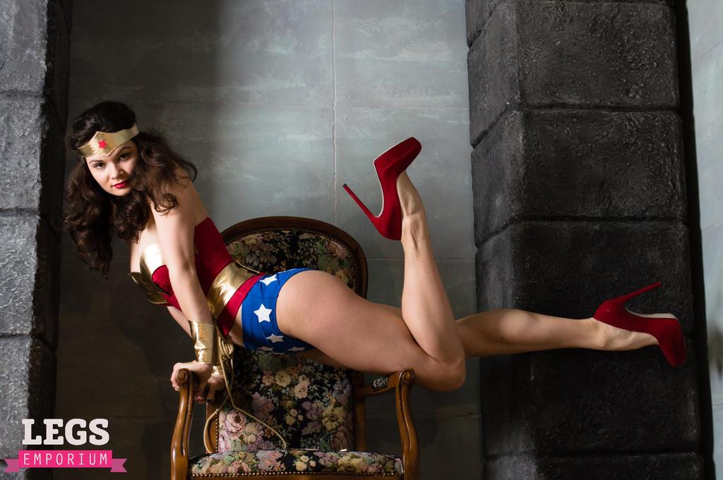 Lynda carter wonder woman sexy
