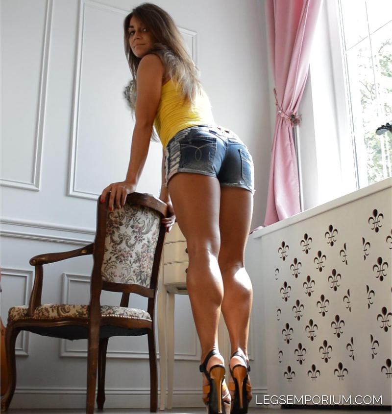 She's Got It All-Beauty, Legs, Bum, And Face