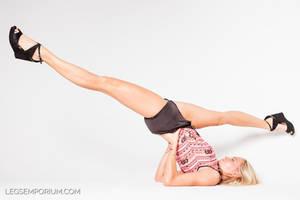 Cheerleader's Upside Down Splits - Legs Emporium