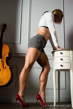 Bare Muscular Legs of Annie - Legs Emporium