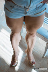 Them Muscular Thighs and Calves - Alexandra - LE