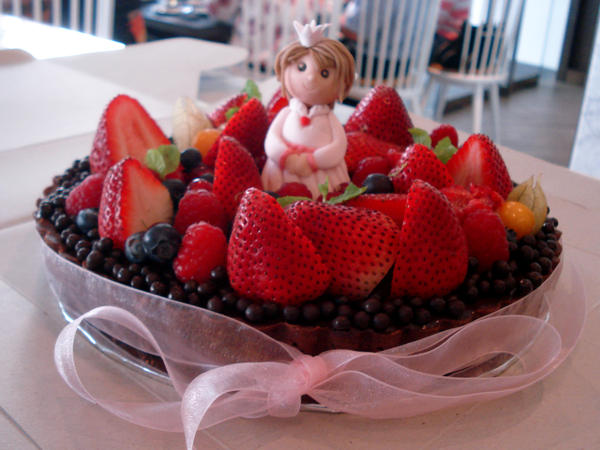 Princess Berry Chocolate Tart by Sliceofcake