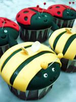 Bee And Ladybug Cupcakes by Sliceofcake