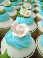 White Rose Cupcakes by Sliceofcake