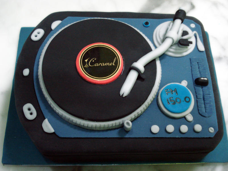 DJ Spin That Cake by Sliceofcake on DeviantArt