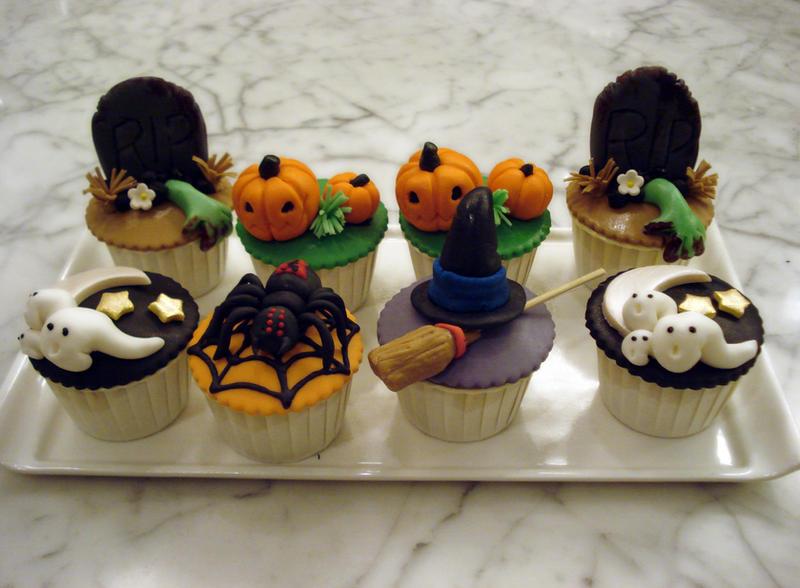 Halloween Cupcakes 2010 by Sliceofcake