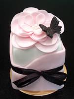 Full Bloom Mini Cake by Sliceofcake