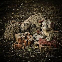 Toys grave13