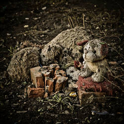Toys grave13 by kaval0rn