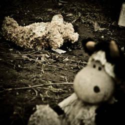 Toys grave10